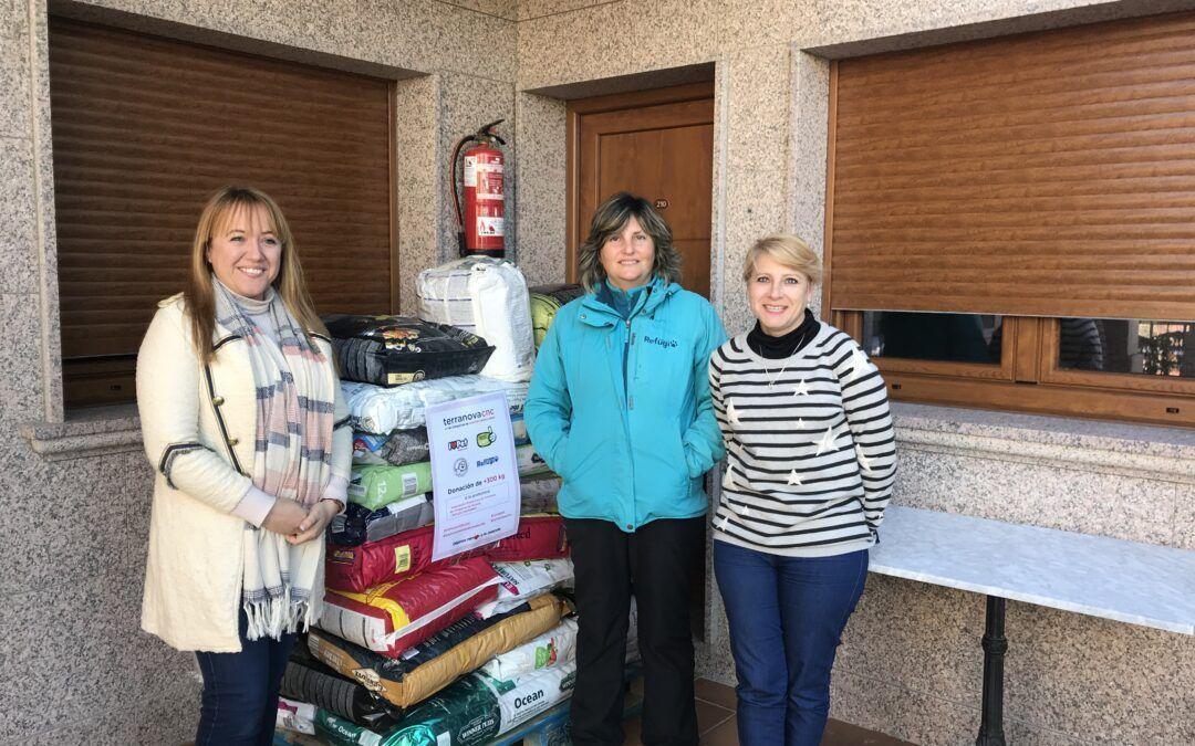 El Hotel Cons da Garda dona 450 kgs de pienso a las protectoras de O Salnés